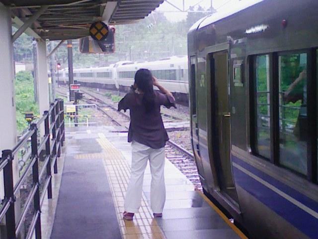 Rail0770)雨の敦賀を後にして、旅のお供は