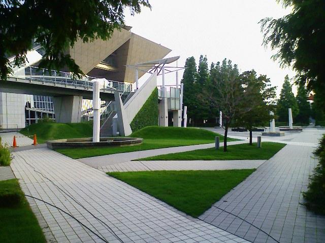 ▽▽)北コンコースレストラン街外庭園(通称:新コスプレ広場)